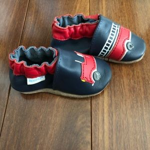 NWOT Robeez leather soft soles